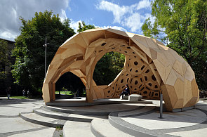Pavilon ve Stuttgartu vypadá jako mořský ježek.