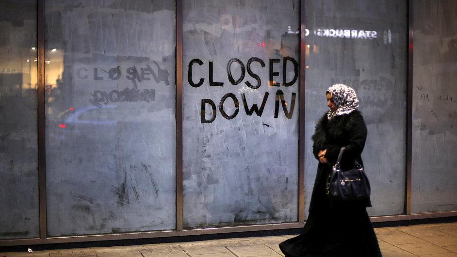 zavřené obchody v centru Londýna, ilustrační foto