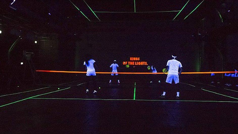 Tenis ve tmě