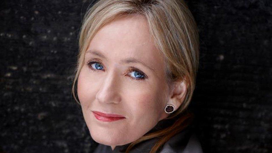 J. K. Rowlingová se uvedla jako zdatná autorka detektivních románu