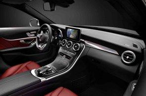 Mercedes C ukázal křivky nového interiéru. O navigaci se postará Google Earth