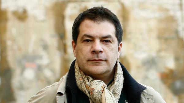Vasa J. Perović