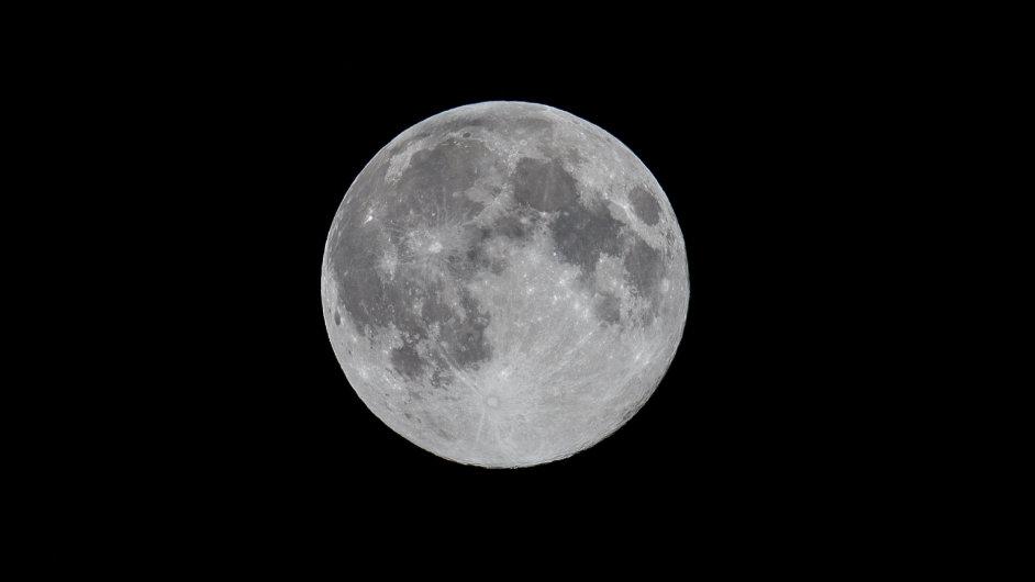 Rusové plánují základny na Měsíci.