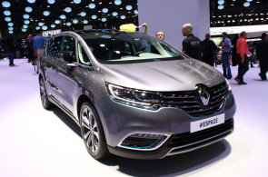 Živě z Paříže: Renault Espace je futuristický kočár pro velkou rodinu