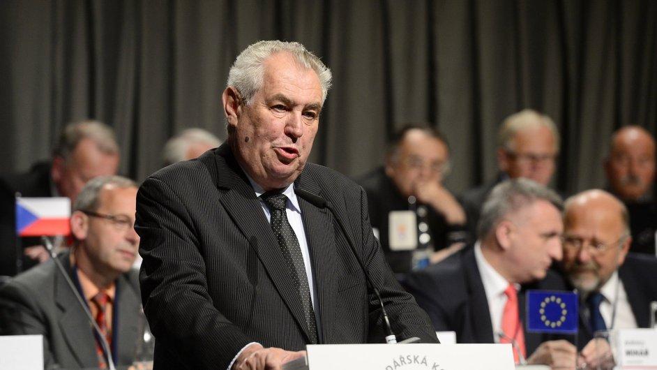 Prezident Miloš Zeman na sněmu Hospodářské komory zkritizoval státní pojišťovnu EGAP.
