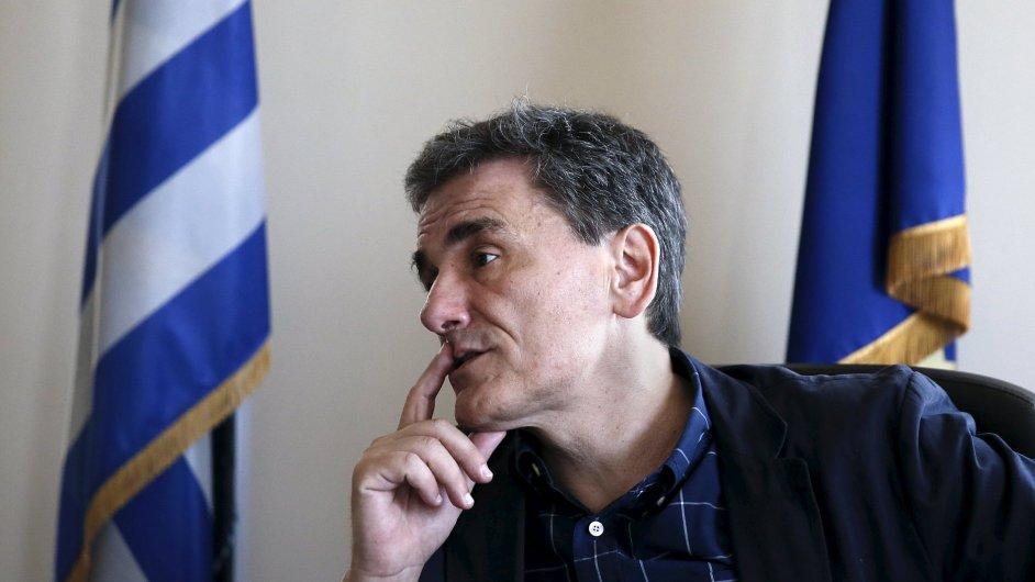 Novým řeckým ministrem financí se den po referendu stal Euklidis Tsakalotos.