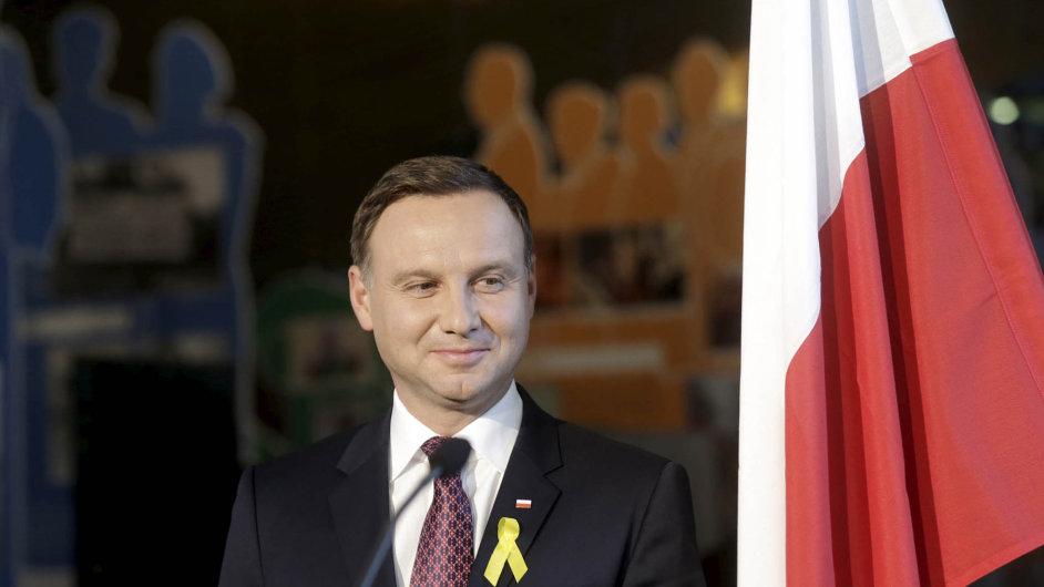 Andrzej Duda. Evropa je silná. Ale vůči problémům, jako je příliv uprchlíků, ukrajinský konflikt nebo krize eurozóny, je bezradná, řekl polský prezident vprojevu naekonomickém fóru vKrynici.