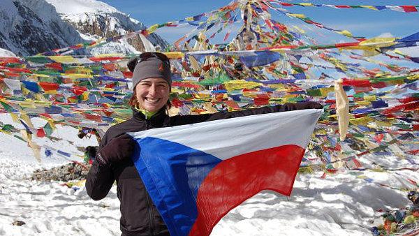 Alexandra Kropp v jednom z nejvyšších průsmyků na světě - Nepál, Thorong la (5416 m n. m.).