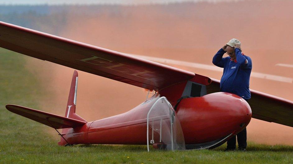 Na to nejlepší z české i zahraniční letecké akrobacie se mohou o víkendu těšit návštěvníci Mistrovství ČR v akrobacii letounů - Ilustrační foto.
