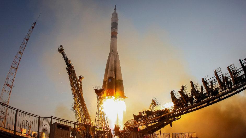 Start vesmírné lodi Sojuz MS-01
