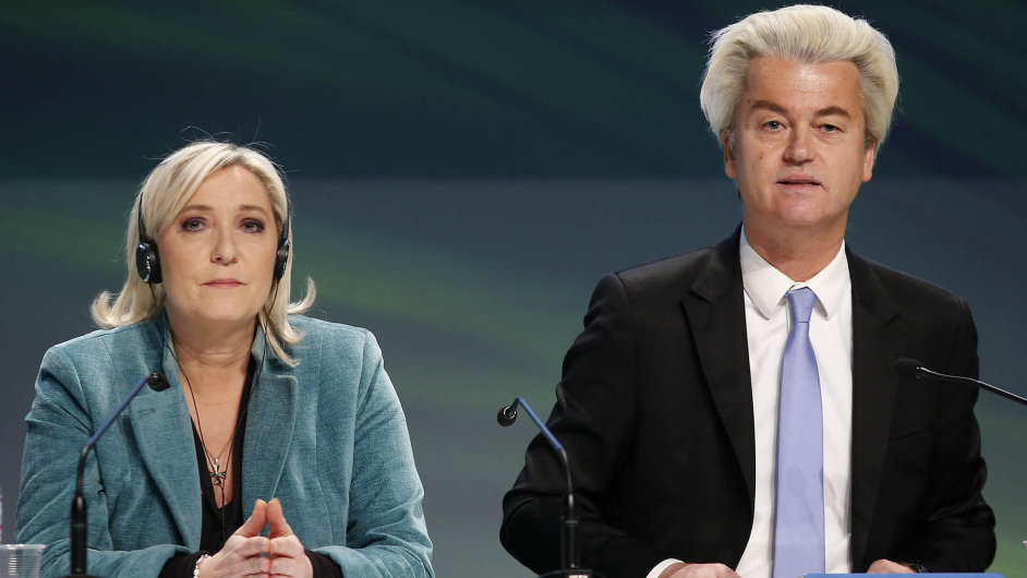 Marine Le Penová se včele francouzské Národní fronty přiblížila 30 procentům voličské podpory. Vevolbách vNizozemsku zase může uspět Strana pro svobodu Geerta Wilderse.