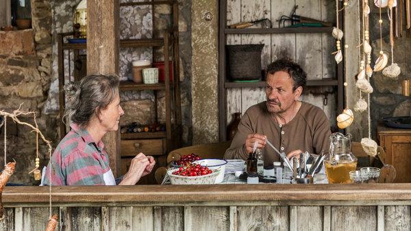 Miroslav Krobot hraje ve filmu Přes kosti mrtvých svobodomyslného entomologa zOlomouce.