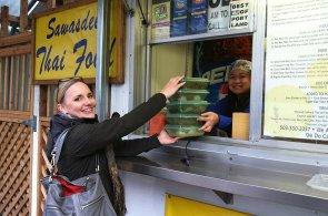Konec jednorázovým plastovým krabicím na obědy. V USA spustili službu vratných obalů na jídlo