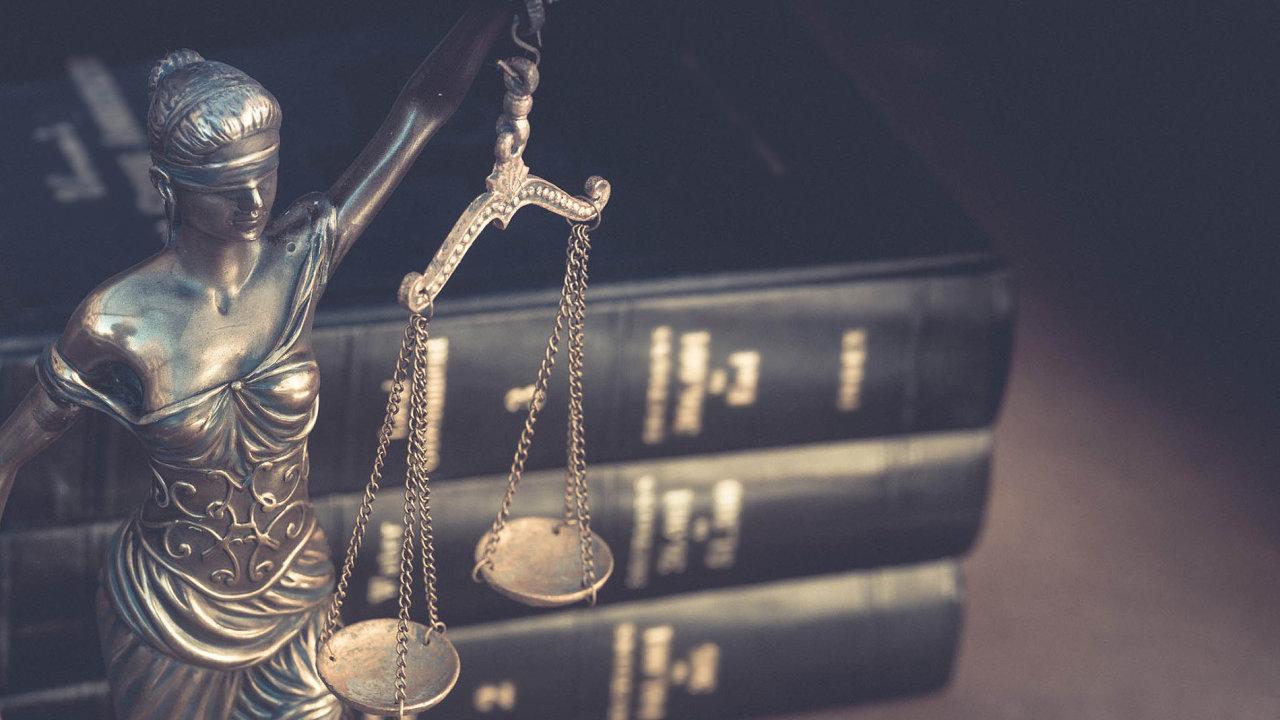 Vláda chce změnou zákonů zjednodušit ochranu zákazníků.