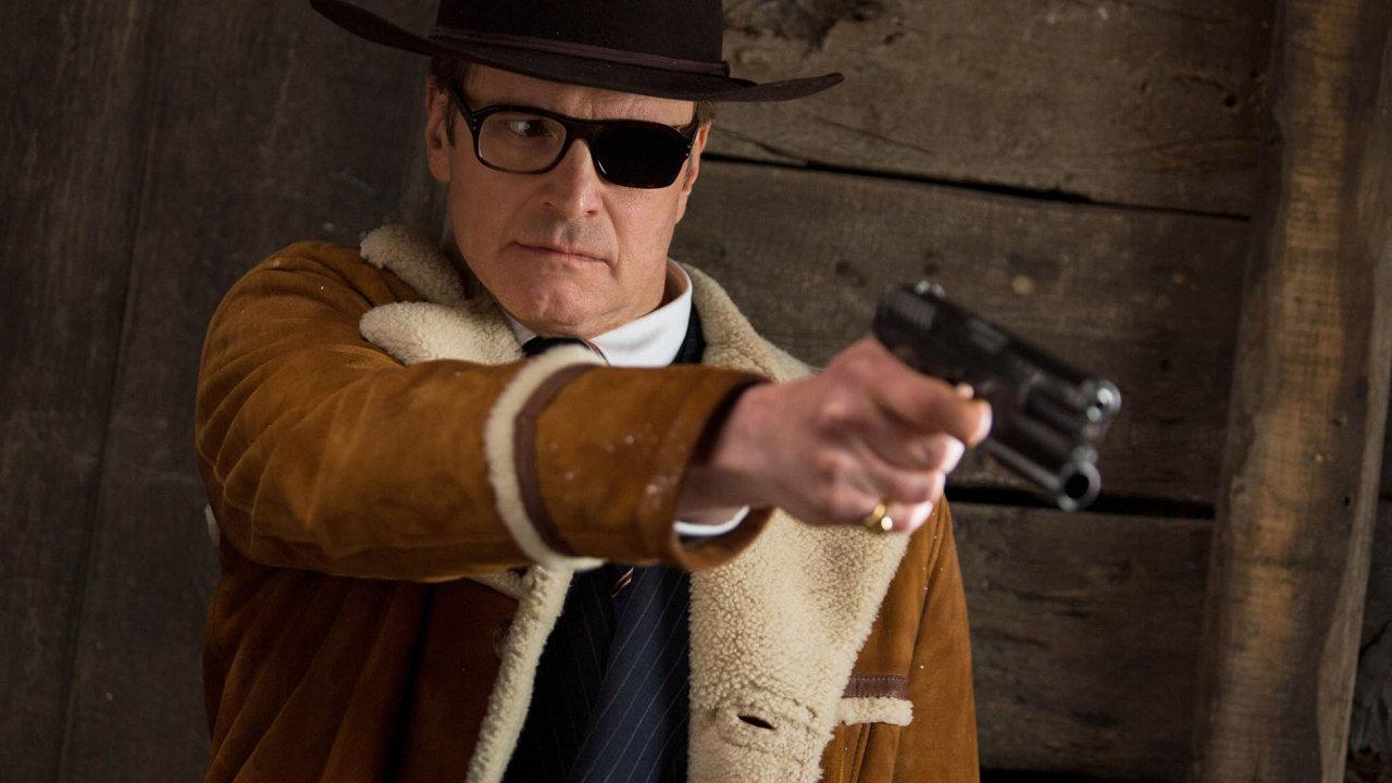 Postava agenta Galahada (Colin Firth) v druhém díle vstane z mrtvých. Nechybí jí jen oko, ale také velká část dřívější noblesy.