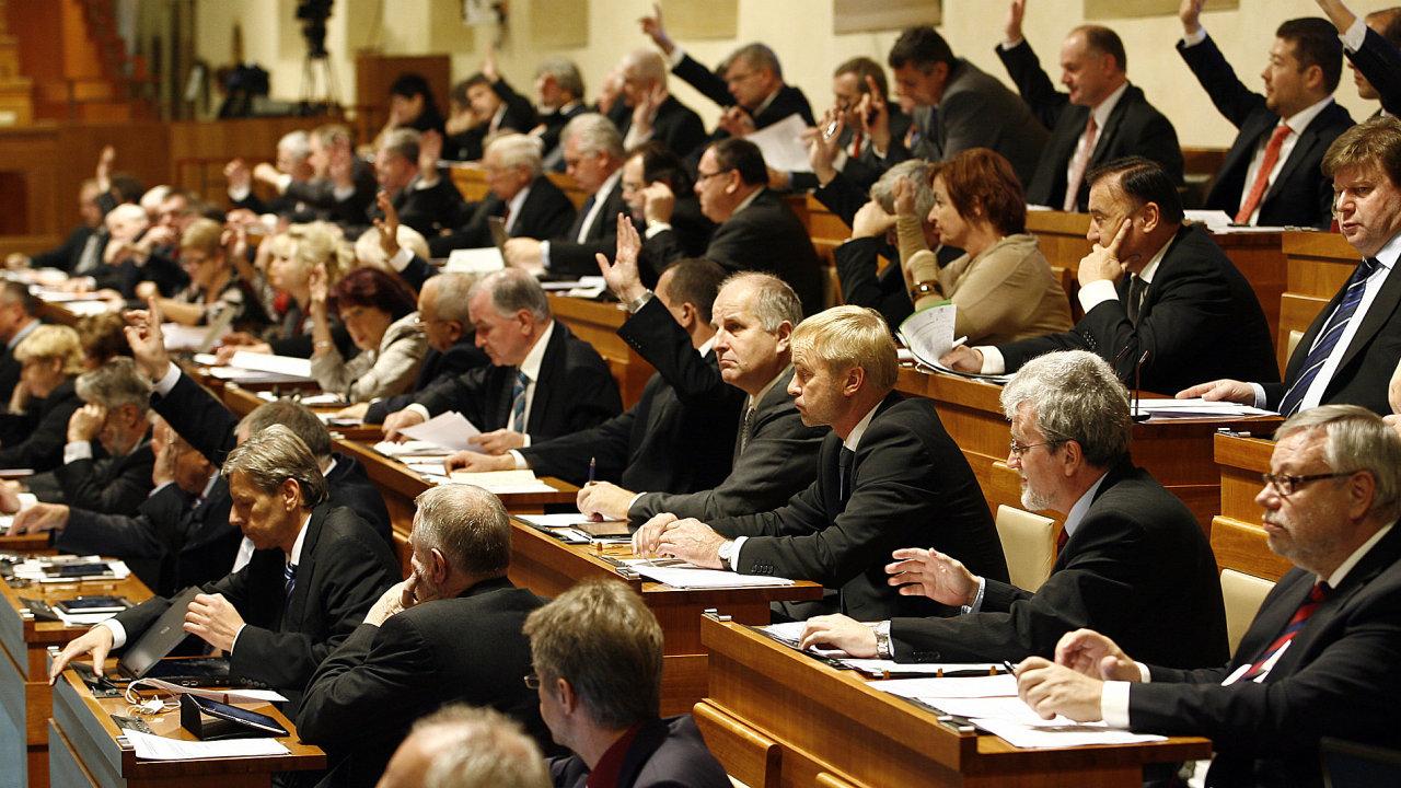 Senát zamítl novelu zákonu, která měla podnikatelům zjednodušit jejich činnost elektronickým systémem - Ilustrační foto.