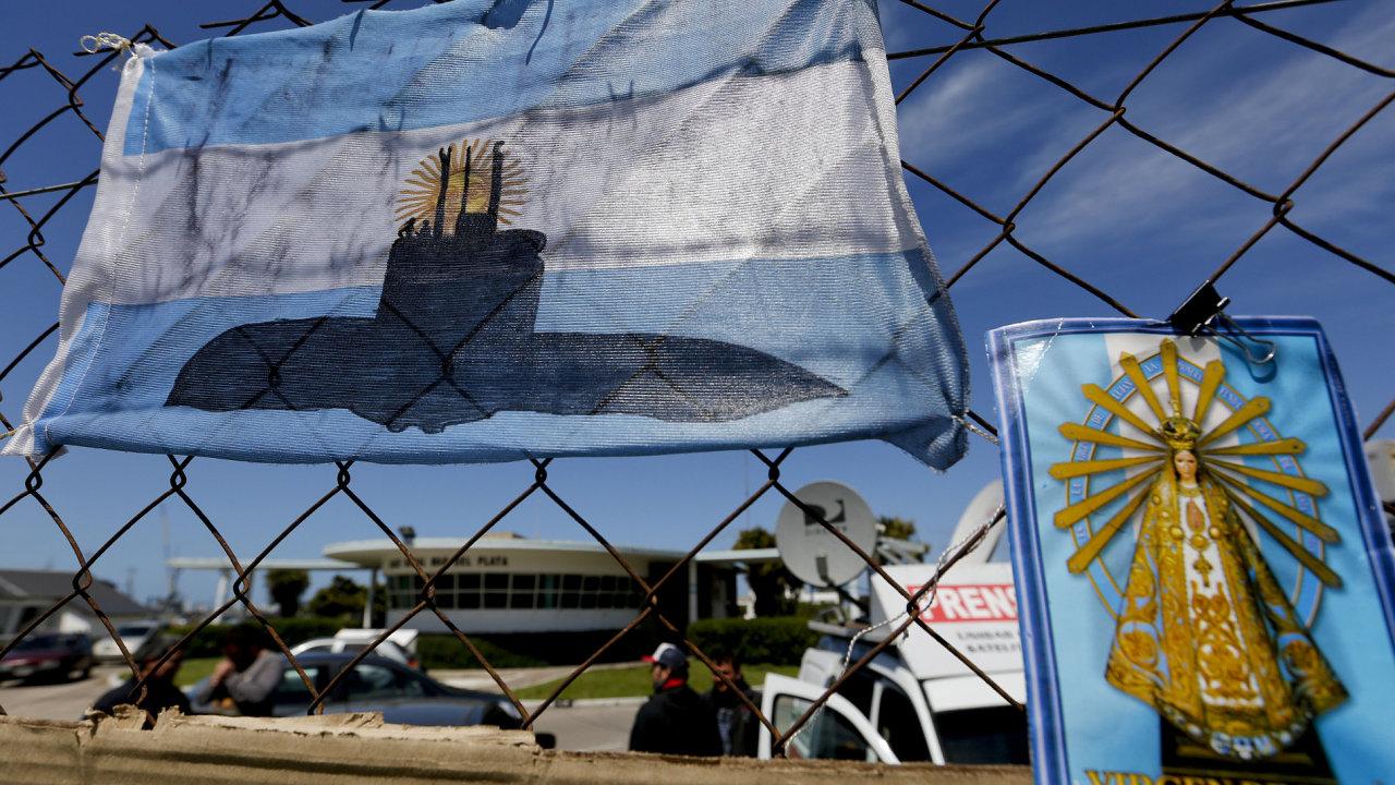 Šance na přežití posádky ztracené argentinské ponorky jsou už velmi malé.