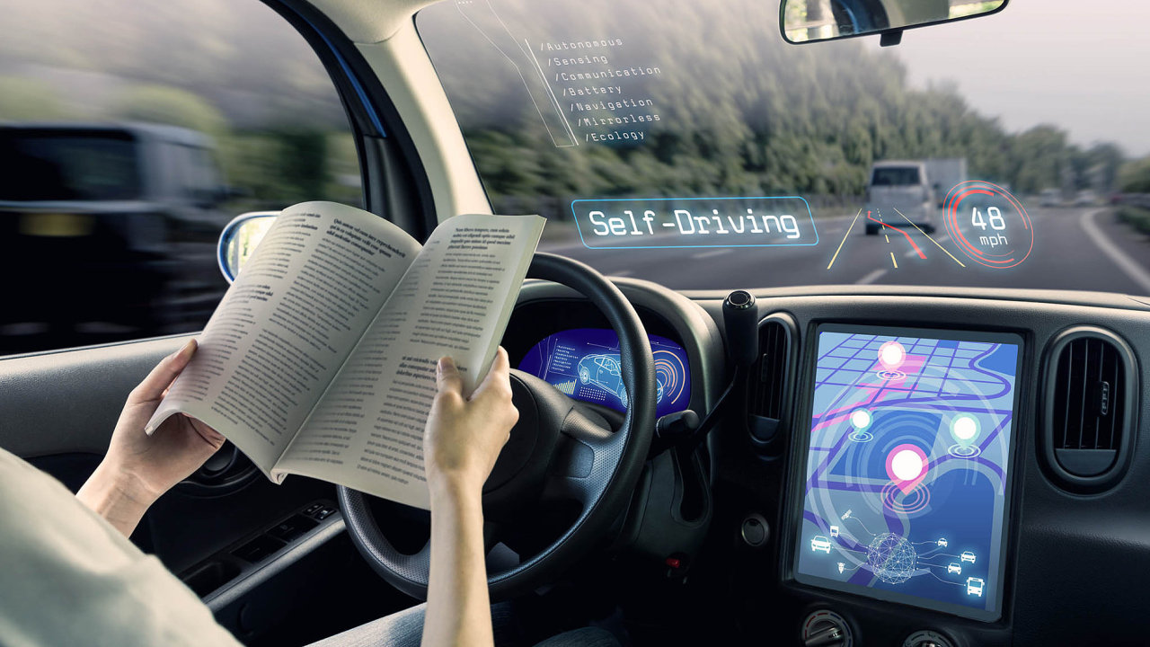V horizontu 20 let prý přestane být dovolené řídit