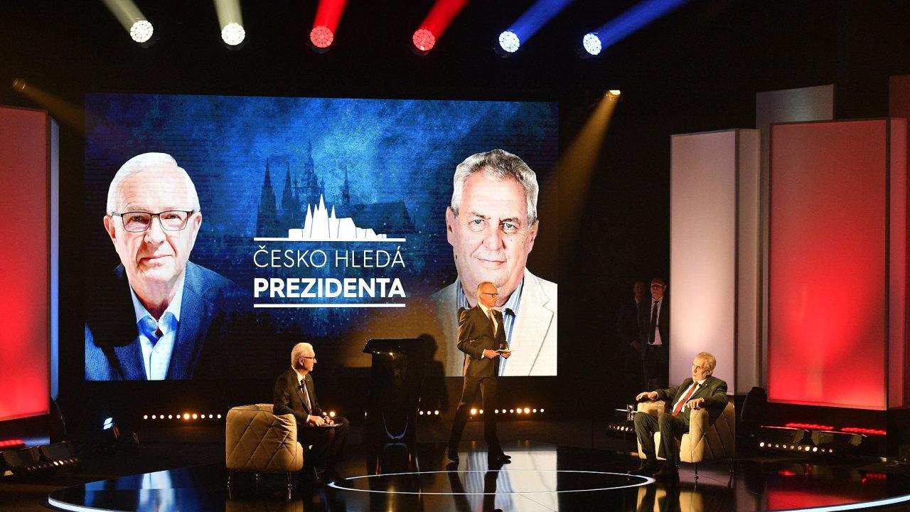 Zeman diskutuje s Drahošem.