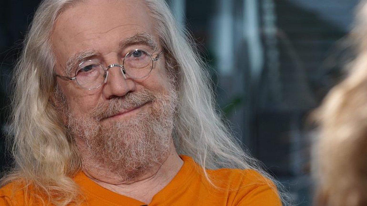Písničkář Jaroslav Hutka.