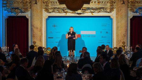 Za svobodu slova je třeba bojovat. Čestný host galavečera, polská právnička Agnieszka Wardaková, se kriticky vyjádřila k současné citlivé situaci v polské justici.