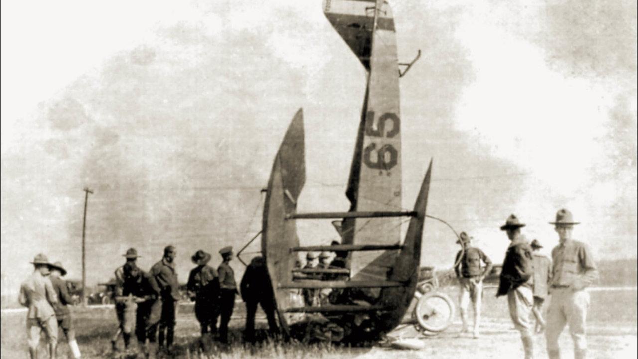 Instinkty nám vládnou: Co je děsivé, nemusí být současně nebezpečné, tvrdí Rosling vknize Faktomluva. Například pravděpodobnost letecké havárie je 0,0001 procenta.