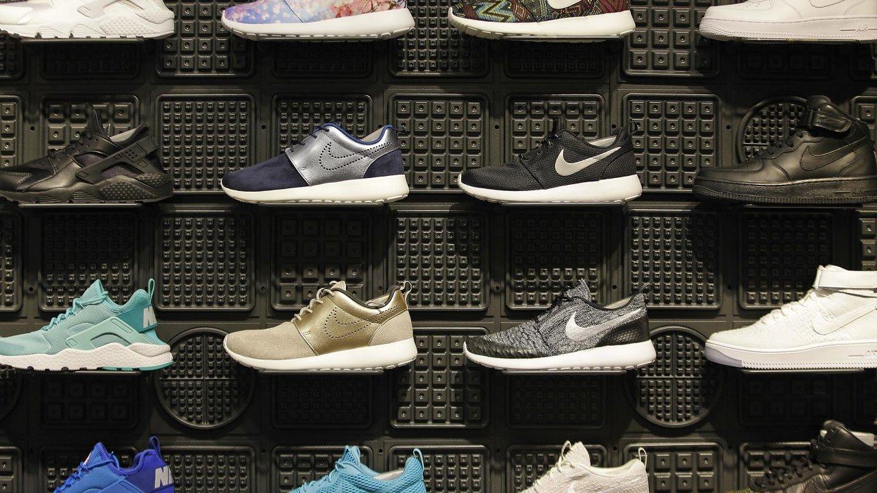 Čtvrtletní výsledky hospodaření zveřejní pozávěru úterního obchodování naburze společnost Nike.