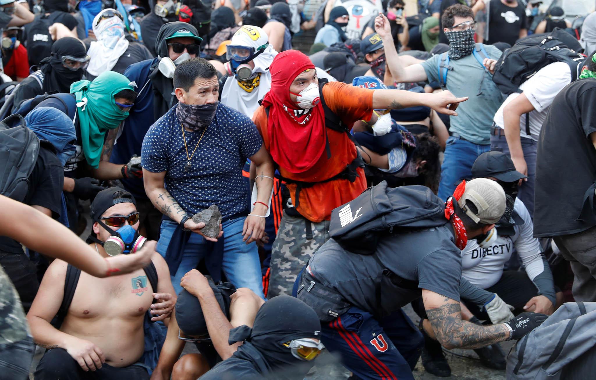 Chile už měsíc čelí největším demonstracím od pádu diktátora Augusto Pinocheta v roce 1990.