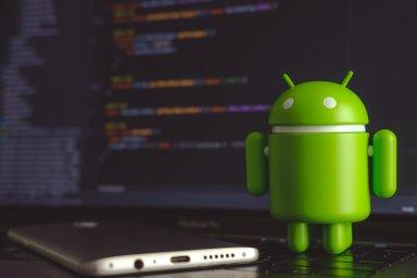 Bezpečnostní díra vAndroidu umožnila, aby si lidé zaplikačního e-shopu Google Play stahovali zdánlivě bezpečné programy, které byly ovšem infikované.