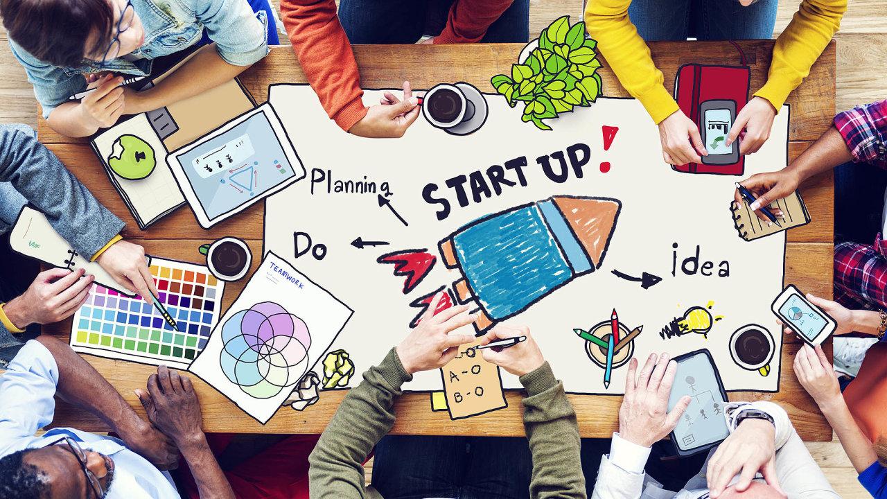 Pre-seed představuje etapu, kdy je start-up doslova ještě nevyvinutým semínkem. Jeho zakladatelé mají zatím jen nápad na nový byznys, reálnou službu či produkt ale ještě nevytvořili.