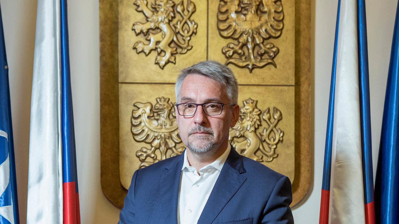 Česko nesplní závazek, který slíbilo v NATO, tedy dávat do roku 2024 na svou obranu dvě procenta HDP.