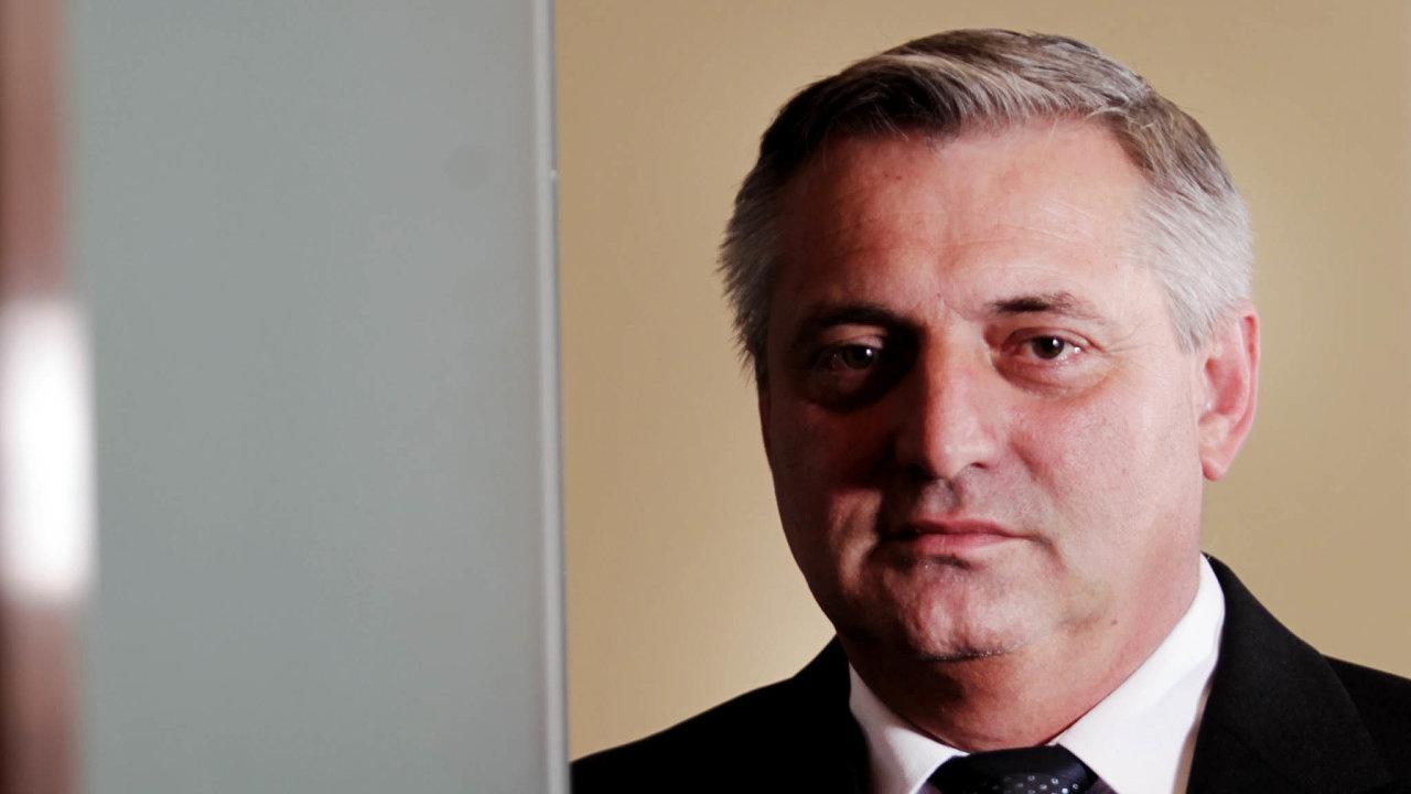 Předsedou Úřadu pro ochranu hospodářské soutěže je Petr Rafaj odčervence 2009. Vystudoval vOstravě, pracoval jako místostarosta Frýdku-Místku ačlen Poslanecké sněmovny zaČSSD.