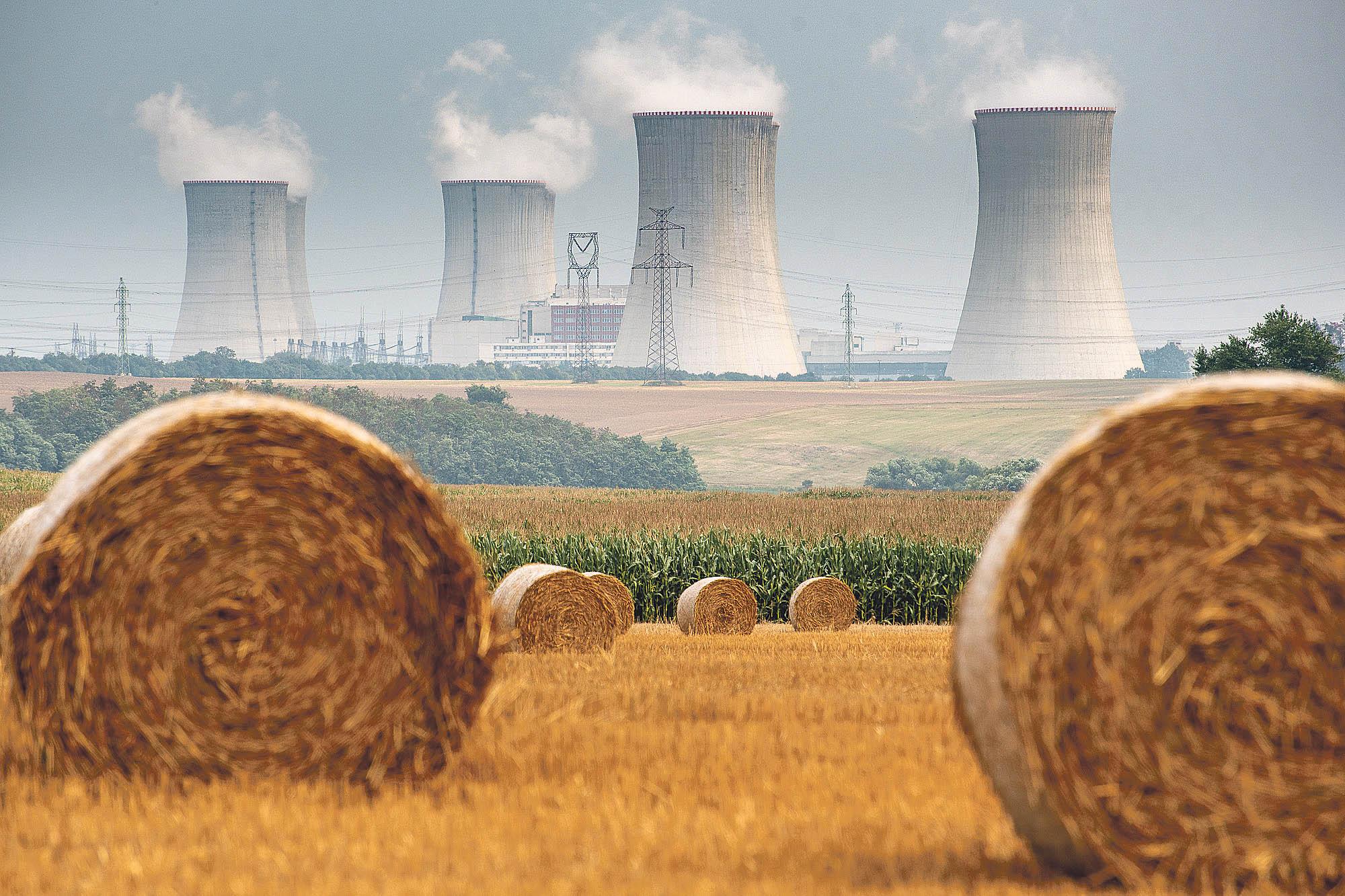 Jen nezodpovědná vláda by založila naši energetiku na plynu, který by k nám proudil z politicky nespolehlivých zemí.