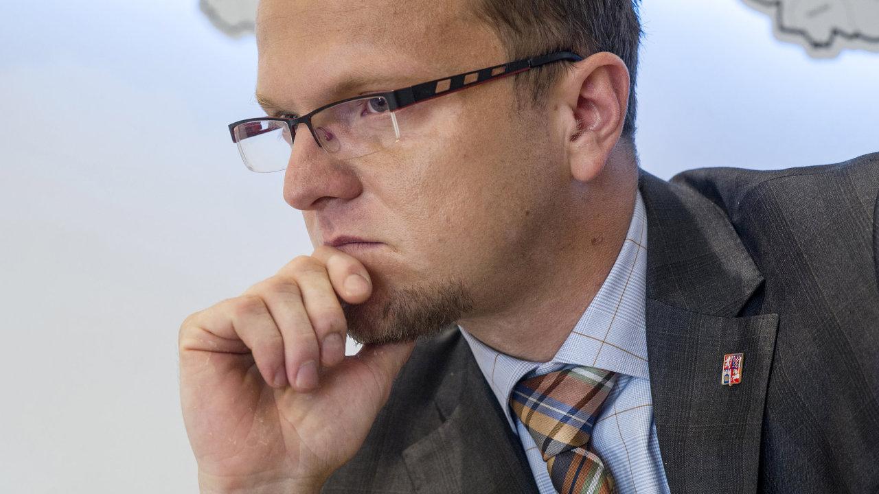 Hejtman Pardubického kraje Martin Netolický se dosud kandidatuře do sněmovny za ČSSD bránil. Teď tam chce. S cílem zabránit další vládě s hnutím ANO.