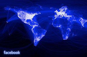 Provozovatelé sociálních sítí uvolňují data o milionech uživatelů, kupuje je policie