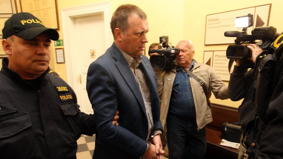 Vladimír Šiška u soudu, který jej poslal do vazby