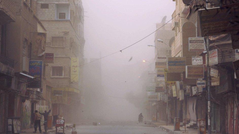 Ulice syrského města Dajr az-Zaur