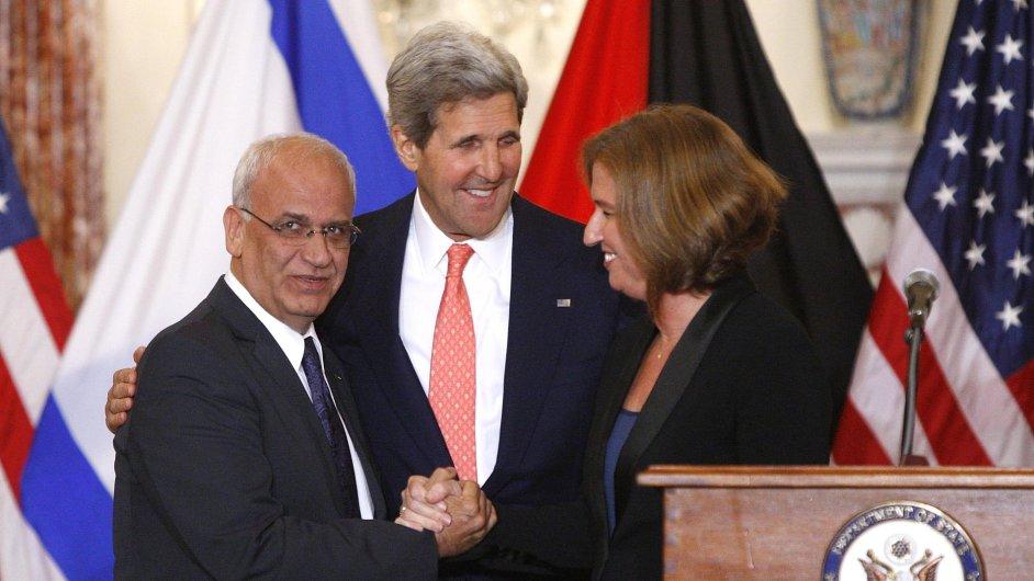 Irikát s Kerrym a Livniovou na konferenci ve Washingtonu