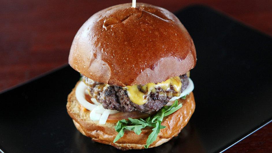 Burger Žárlivá manželka - ilustrační foto
