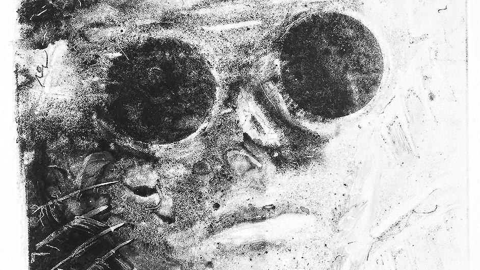Detail vystaveného snímku Roberta V. Nováka: Portrét P. L. z roku 1989.