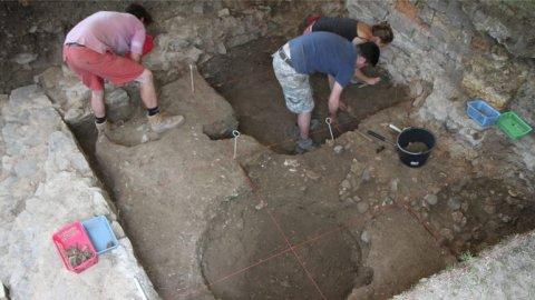 Archeologicky_nalez_stoleti_tajemny_kostel_na_Vysehrade