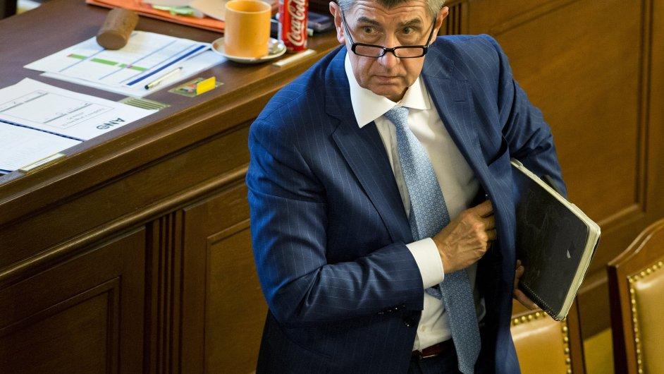 Ministr financí Andrej Babiš na jednání sněmovny