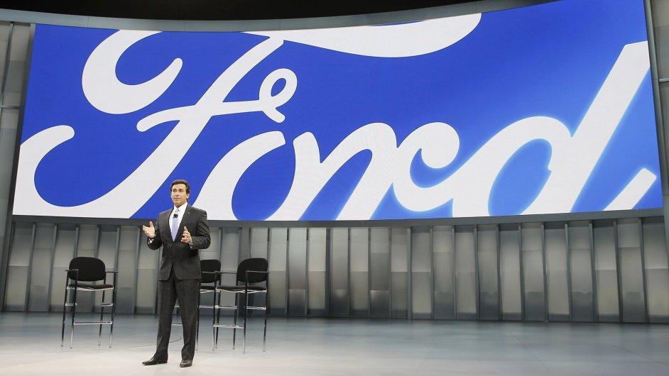Společnost Ford, v čele s Markem Fieldsem, v Evropě propustí stovky zaměstnanců.