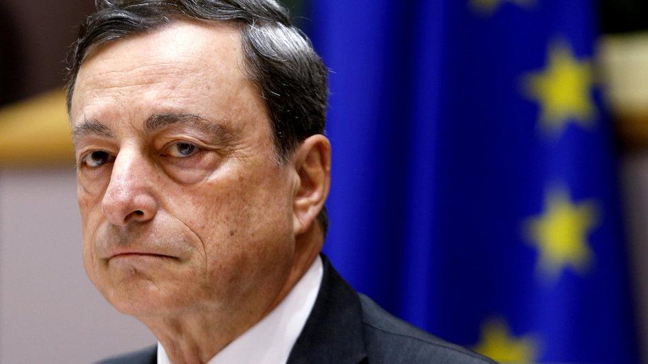 Prezident Evropské centrální banky Mario Draghi prosazuje uvolněnopu měnovou politiku s cílem vrátit se k dvojprocentní inflaci.