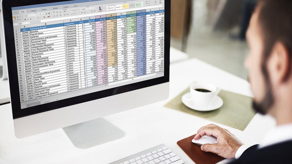 Informace, data, statistika, tabulka - ilustrační foto