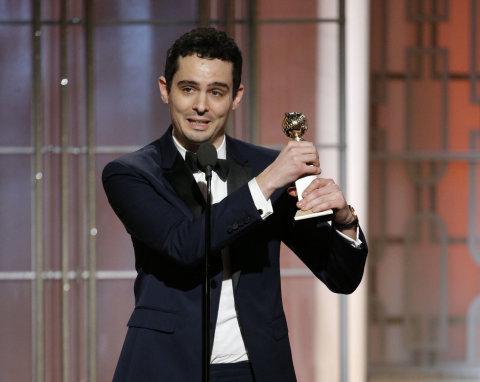 Režisér Damien Chazelle (na snímku) za muzikál La La Land obdržel cenu pro režii. Film nakonec získal sedm Zlatých glóbů a stal se vítězem večera.
