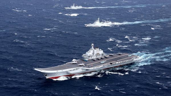 Čínská letadlová loď - Ilustrační foto.