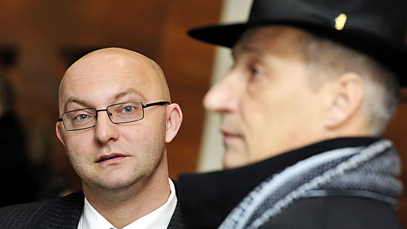 Najít si svoji dvojičku. (Jan Kozák, vlevo)