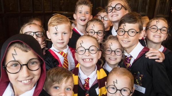 Já jsem Harry. Děti kouzelný svět Harryho Pottera milují už dvacet let.