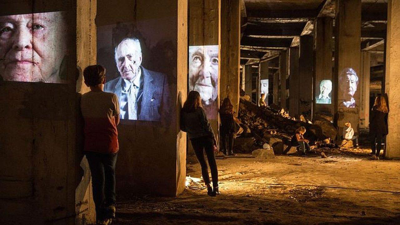 Na výstavu v katakombách pod Stalinem se pořádá sbírka. Pořadatelé potřebují 10 milionů.